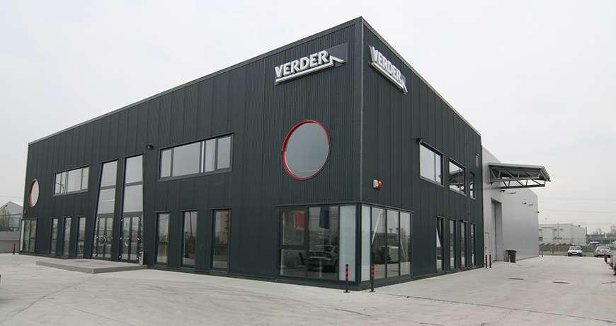 constructii hale industriale - cladiri showroom