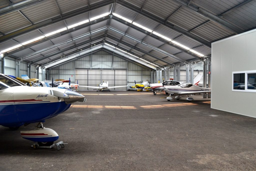 hangare avion