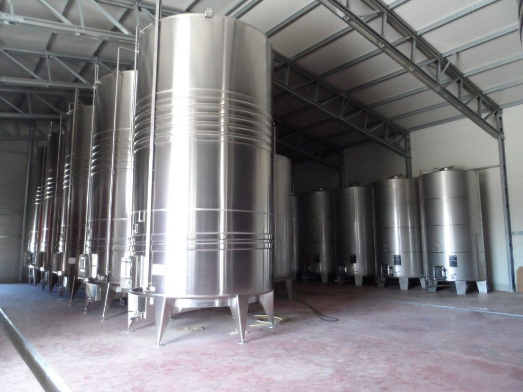 construiește beci vinuri