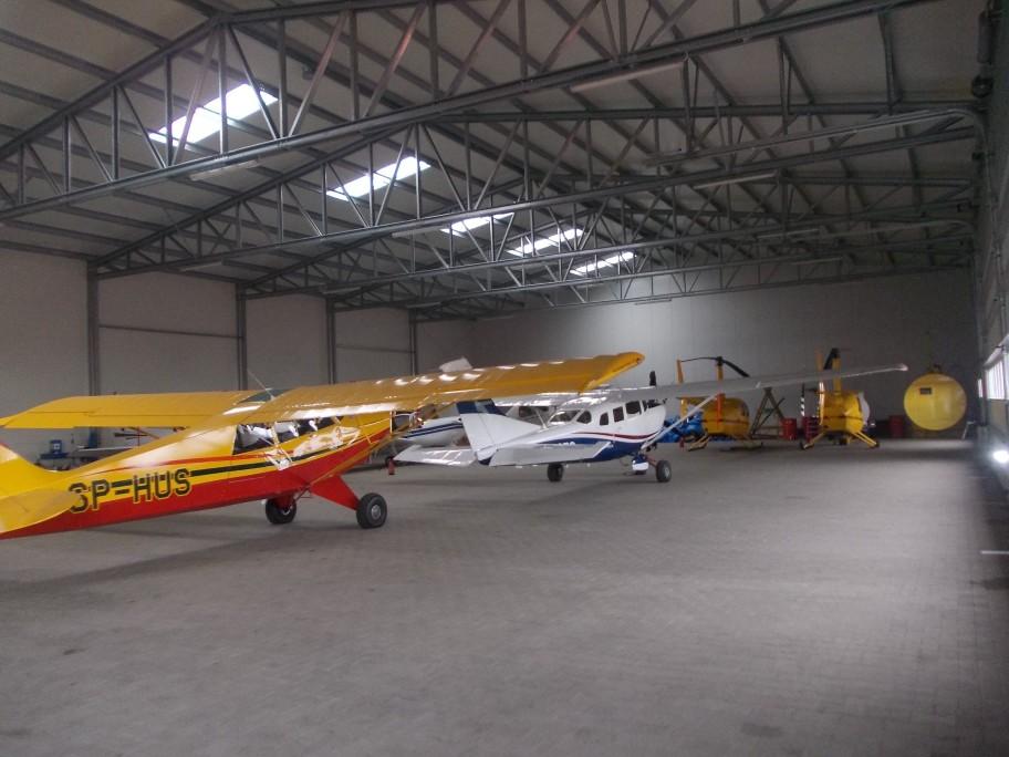 hangare rezistente aviație