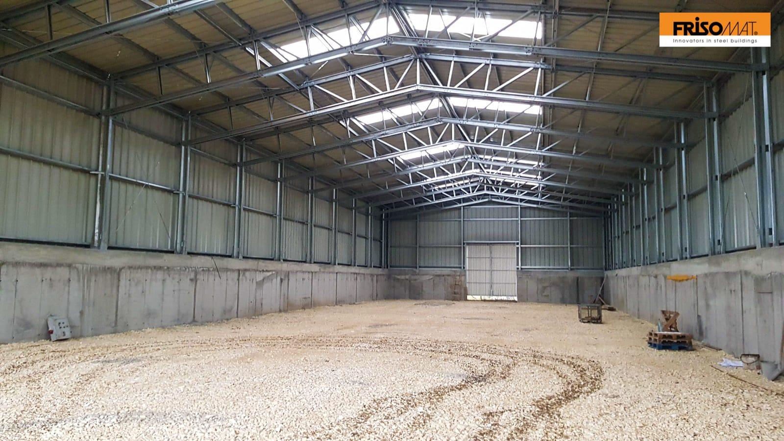 interior hala depozitare cereale socul beton frisomat